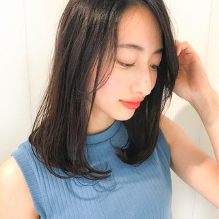 ストレート 前髪あり 大人かわいい ナチュラル ヘアスタイルや髪型の写真・画像