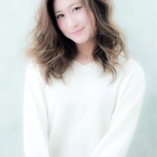 フェミニン ラフ ゆるふわ 外国人風 ヘアスタイルや髪型の写真・画像