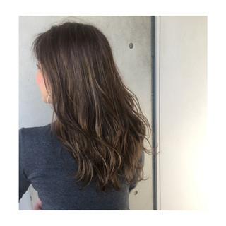 オフィス 外国人風 グラデーションカラー ナチュラル ヘアスタイルや髪型の写真・画像
