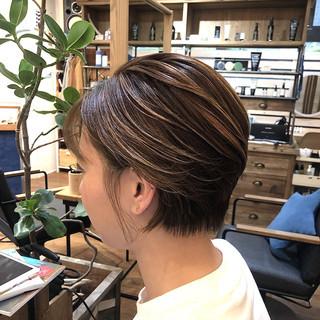 ショートヘア ハンサムショート ミニボブ ナチュラル ヘアスタイルや髪型の写真・画像