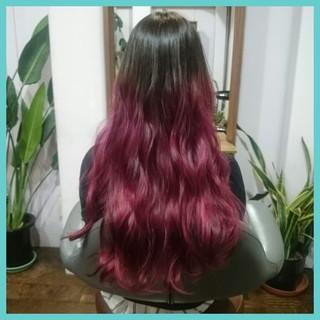 ピンク 外国人風 レッド 暗髪 ヘアスタイルや髪型の写真・画像