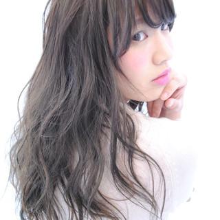 ピュア ゆるふわ ガーリー 暗髪 ヘアスタイルや髪型の写真・画像