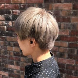 メンズマッシュ ブリーチ ホワイトベージュ ストリート ヘアスタイルや髪型の写真・画像