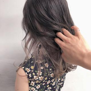 インナーカラー インナーピンク ミルクティーベージュ ラベンダーグレージュ ヘアスタイルや髪型の写真・画像