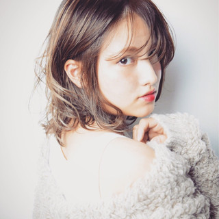 外国人風 ミルクティー ハイライト かわいい ヘアスタイルや髪型の写真・画像
