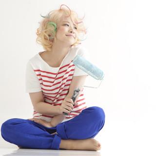 ゆるふわ ハイトーン パーマ 外国人風 ヘアスタイルや髪型の写真・画像