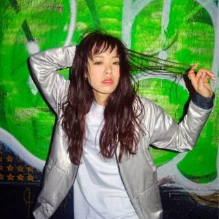 暗髪 ストリート ウェーブ ストレート ヘアスタイルや髪型の写真・画像