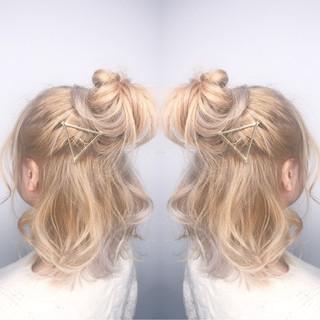 ミルクティー ショート 簡単ヘアアレンジ ヘアアレンジ ヘアスタイルや髪型の写真・画像