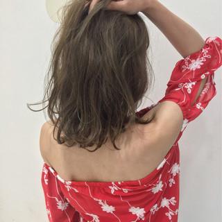 ミディアム アッシュ 外国人風 ガーリー ヘアスタイルや髪型の写真・画像