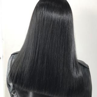グレージュ ブルーブラック アッシュグレージュ 暗髪 ヘアスタイルや髪型の写真・画像