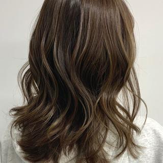 大人かわいい コンサバ グレージュ セミロング ヘアスタイルや髪型の写真・画像