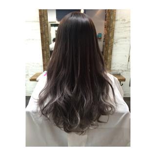 暗髪 グラデーションカラー 大人かわいい 外国人風 ヘアスタイルや髪型の写真・画像