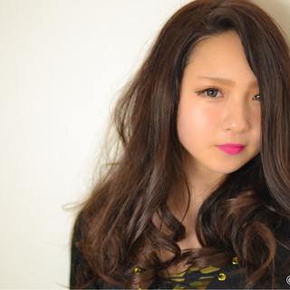 セミロング 渋谷系 暗髪 パーマ ヘアスタイルや髪型の写真・画像