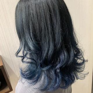 インナーカラー 大人かわいい ネイビーブルー ボブ ヘアスタイルや髪型の写真・画像