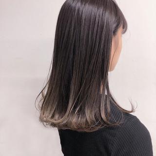 ロング ナチュラル インナーカラー グラデーションカラー ヘアスタイルや髪型の写真・画像