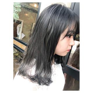 ネイビー セミロング ブルー ストリート ヘアスタイルや髪型の写真・画像