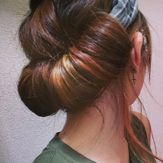 ヘアアレンジ ヘアバンド セミロング ヘアスタイルや髪型の写真・画像