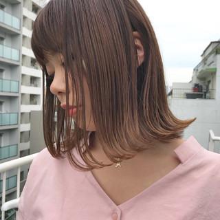 切りっぱなし 艶髪 外ハネ ナチュラル ヘアスタイルや髪型の写真・画像