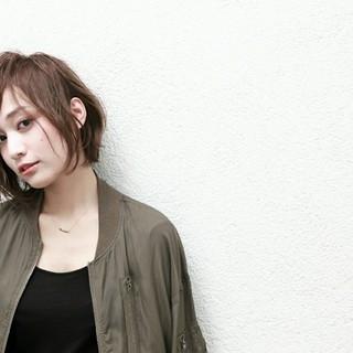アッシュ ニュアンス 大人女子 色気 ヘアスタイルや髪型の写真・画像