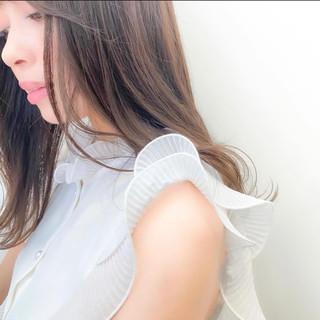 ミルクティーベージュ ブリーチなし ミルクティーグレージュ セミロング ヘアスタイルや髪型の写真・画像