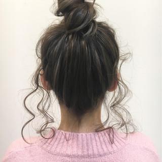 後れ毛 セミロング ショート お団子 ヘアスタイルや髪型の写真・画像