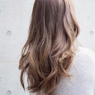 ロング グラデーションカラー 外国人風カラー ナチュラル ヘアスタイルや髪型の写真・画像