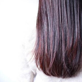 ナチュラル 大人女子 レッド ピンク ヘアスタイルや髪型の写真・画像