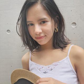デート ミディアム スポーツ ガーリー ヘアスタイルや髪型の写真・画像