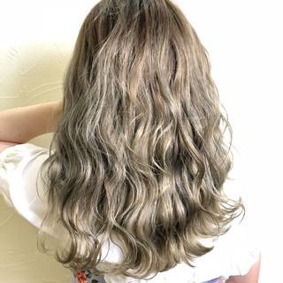 エレガント 上品 ウェーブ 外国人風カラー ヘアスタイルや髪型の写真・画像