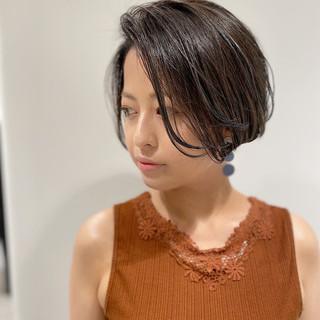 ダークトーン 透明感カラー ハンサムショート ナチュラル ヘアスタイルや髪型の写真・画像