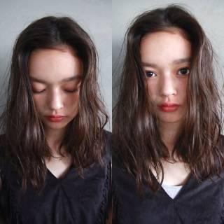 暗髪 ミディアム 外国人風 パーマ ヘアスタイルや髪型の写真・画像
