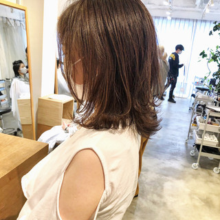 切りっぱなしボブ レイヤーカット ナチュラル レイヤースタイル ヘアスタイルや髪型の写真・画像