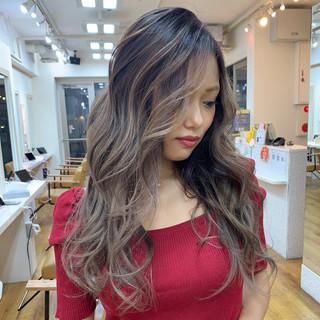 グラデーション ロング ストリート バレイヤージュ ヘアスタイルや髪型の写真・画像