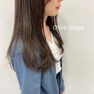 オリーブベージュ ナチュラル 韓国 セミロング ヘアスタイルや髪型の写真・画像