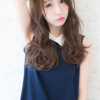 外国人風 ゆるふわ 大人かわいい アッシュ ヘアスタイルや髪型の写真・画像