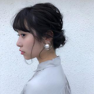 シニヨン パーティ ミディアム デート ヘアスタイルや髪型の写真・画像