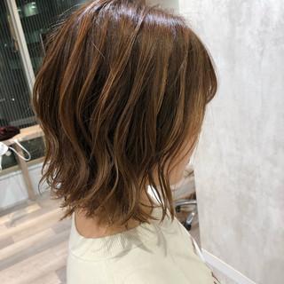 ショートヘア 切りっぱなしボブ エレガント ベリーショート ヘアスタイルや髪型の写真・画像