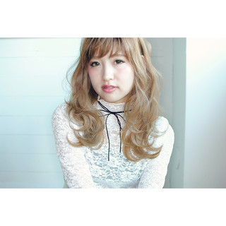 ゆるふわ ハイライト 渋谷系 フェミニン ヘアスタイルや髪型の写真・画像