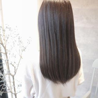 グレージュ セミロング オフィス デート ヘアスタイルや髪型の写真・画像