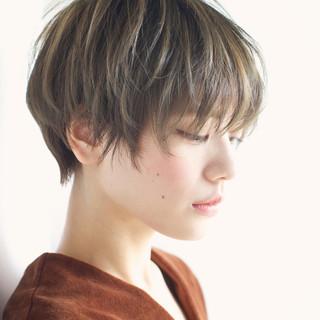 外国人風 ハイライト 大人かわいい アッシュ ヘアスタイルや髪型の写真・画像