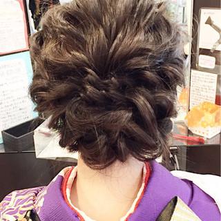 セミロング 波ウェーブ ヘアアレンジ フェミニン ヘアスタイルや髪型の写真・画像