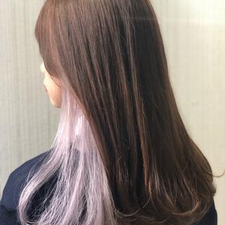 インナーカラー ガーリー 春色 インナーカラーホワイト ヘアスタイルや髪型の写真・画像