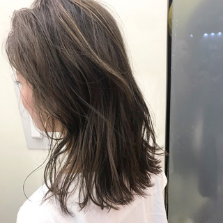 外国人風 ハイライト フェミニン セミロング ヘアスタイルや髪型の写真・画像