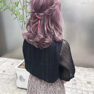簡単ヘアアレンジ ミディアム ガーリー 大人可愛い ヘアスタイルや髪型の写真・画像