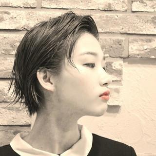 ショート モード アッシュ 暗髪 ヘアスタイルや髪型の写真・画像