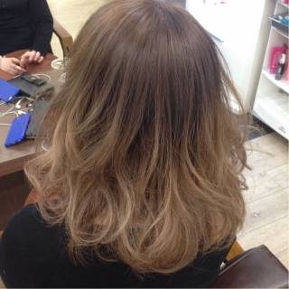 グラデーションカラー ボブ ダブルカラー アッシュベージュ ヘアスタイルや髪型の写真・画像