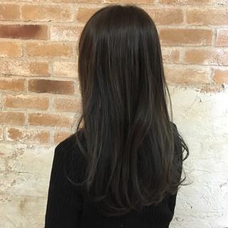 イルミナカラー 暗髪 ニュアンス モード ヘアスタイルや髪型の写真・画像
