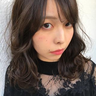 上品 暗髪 ハイライト 外国人風カラー ヘアスタイルや髪型の写真・画像