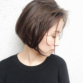 グレージュ ショート 暗髪 ショートボブ ヘアスタイルや髪型の写真・画像