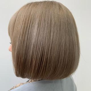 ミルクティーベージュ ミルクティー 切りっぱなしボブ フェミニン ヘアスタイルや髪型の写真・画像